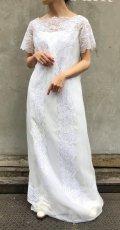 50〜60年代オフホワイトビーズ刺繍レース&シフォン地バッグボタンスクエアネック半袖ドレス