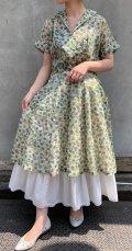 50〜60年代ホワイト×グリーン×ライトグリーンお花柄ポケット付き半袖開襟シースルードレス