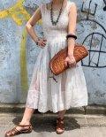 40年代ホワイトレースピンタックスクエアネックノースリーブオーガンジードレス