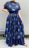 50〜60年代ブラック×ブルー抽象柄ベルト付きクルーネック半袖シースルードレス