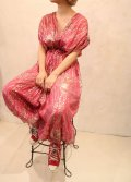 70年代ピンク×シルバー×ゴールド虎柄ラメテープストライプリボン付きカシュクールノースリーブインド綿オールインワン