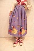 50〜60年代ライトパープル×イエロー×レッドお人形柄フレアスカート