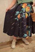 50〜60年代ブラック×オレンジ×グリーン花ペイントメキシカンサーキュラースカート