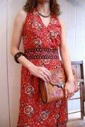 70年代レッド×ネイビー×イエローエスニック柄ホルターネックノースリーブロングドレス