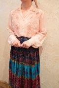 ベビーピンク花刺繍カットワーク開襟長袖ブラウス