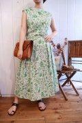 50〜60年代ライトグリーン×ホワイト風景ペイントノースリーブドレス