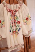 30〜40年代ホワイト×カラフルハンガリー刺繍シャーリング半袖シースルーチュニック