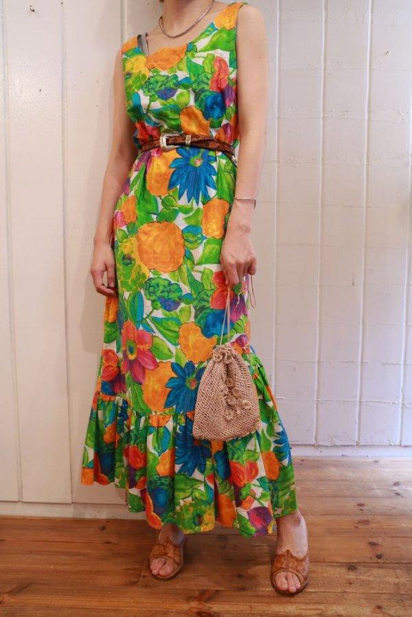 画像1: 70年代グリーン×オレンジ×ブルートロピカル花柄裾フリルノースリーブロングドレス