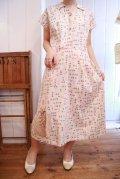 50〜60年代クリームベージュ×パステルカラーフルーツ柄襟&ポケット付き半袖ドレス