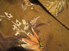 他の写真3: 50〜60年代ブラウン×ホワイト×ペールオレンジ花柄フレアスカート