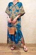 70年代ブルー×カラフルエスニック柄フロントジップ五分袖ロングドレス