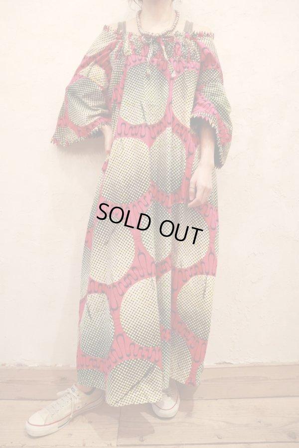 画像1: ピンク×ベージュ×ブラックモザイクサークルペイントギャザーネック五分袖バティックドレス