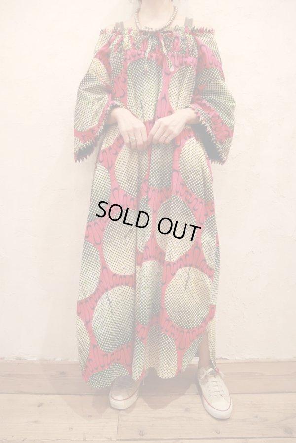 画像2: ピンク×ベージュ×ブラックモザイクサークルペイントギャザーネック五分袖バティックドレス