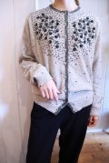 50〜60年代グレー×シルバー花ビーズ&スパンコール刺繍パールボタン長袖ニットカーディガン