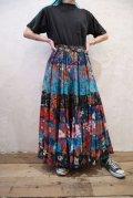 ブルー×ブラック×レッド花柄インドコットンロングスカート