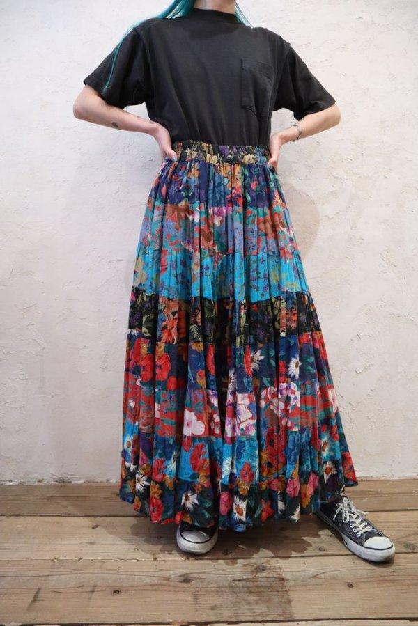 画像1: ブルー×ブラック×レッド花柄インドコットンロングスカート