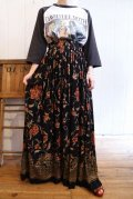 USA製ブラック×レッド×ベージュ花柄レーヨンロングスカート