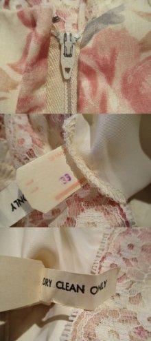 他の写真1: 70年代クリーム×ピンクシャーリングリボン付きフレアスリーブ七分袖ロングドレス