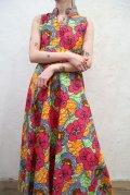 ピンク×オレンジ×ライムグリーン花柄ハイネック長袖アフリカンバティックドレス