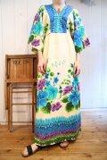 70年代MADE IN HONOLULUオフホワイト×ブルー×パープル花柄リボン付きVネックワイドスリーブ七分袖ハワイアンドレス