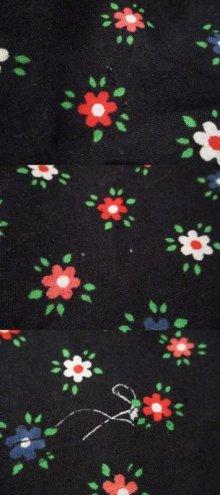他の写真3: ブラック×レッド×ホワイト花柄ロングスカート