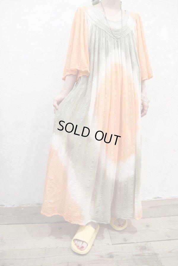 画像2: オレンジ×カーキ×ホワイトタイダイ染めVネック長袖ギリシャドレス