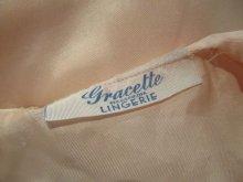 他の写真1: 40〜50年代サーモンピンクレース&リボン付き丸襟シルクベッドジャケット