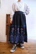 ブラック×パープル×ブルー刺繍&ミラーワークフレアスカート